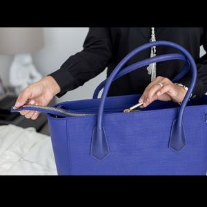 Nearly NWT Dagne Dover Classic Tote Daphne Blue
